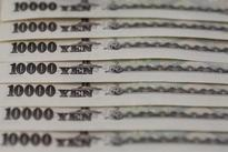 FOREX-Risk aversion shores up yen, commodity currencies sag on declining oil