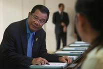 Cambodian opposition resumes parliamentary boycott after 'threats'