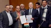 BJP leaders meet Najeeb Jung; demand CBI probe into PDS and auto permit scams