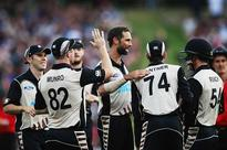 New Zealand beat Pakistan by 10 wickets in second T20