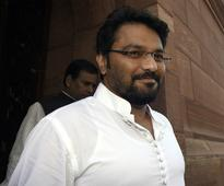 BJP man caught with stacks of new notes only small fish: Babul Supriyo