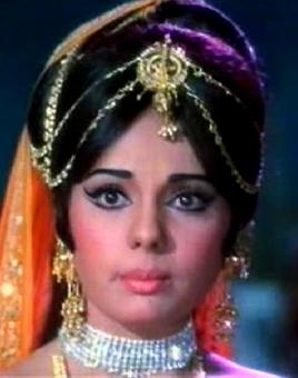 Quiz: Mumtaz's Aaina had a similar story with which film?