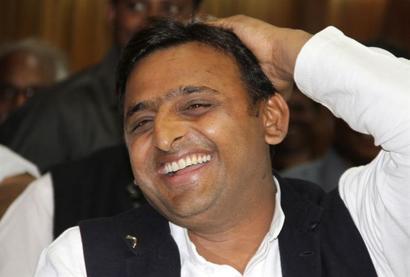 I want Akhilesh to be CM, he respects me a lot, says Akhilesh's stepmom