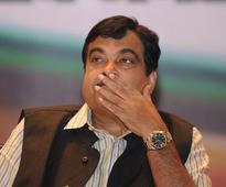 Cong rakes up snoopgate, compares it to Gadkari bugging row
