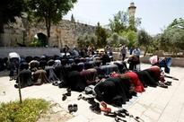 Israel police limit non-Muslim visits to Jerusalem mosque