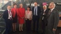 Enwi Hamilton fel arweinydd UKIP yng Nghymru