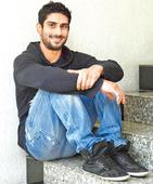 Prateik Babbar forays into Bengali theatre now