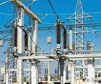 Govt recommends Rs2.45/unit cut in power tariff for Discos