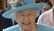 Queen Elizabeth Is Still Rocking B***hes, According To A Displayed Piece Of Art In London