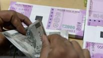Shiv Sena submits memorandum to RBI deputy guv, invokes Manmohan to attack PM Modi on demonetization