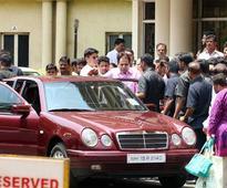 Dilip Kumar gets discharged from Mumbai hospital