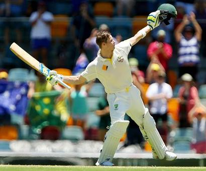 Smith pats his 'tail' after handsome lead over India