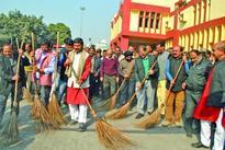 Jugal, Kavinder undertake cleanliness drive