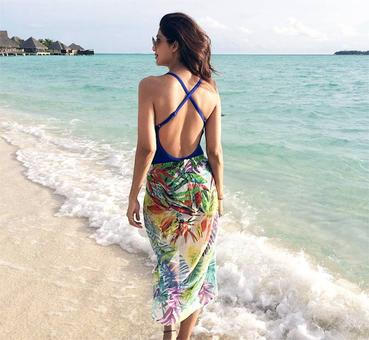 10 beauties who'll give you beach goals