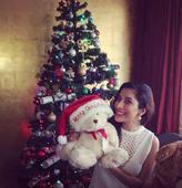 Bollywood celebs wish peace and happiness on X-Mas (view pics)
