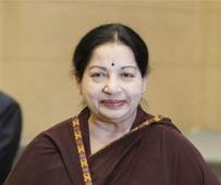 Grateful Jayalalithaa dials Mamata, sets off talks of a post-poll alliance