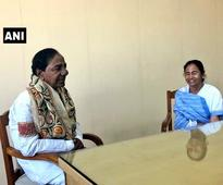 'Third front will be for people,' says Telangana CM KCR after meeting Mamata Banerjee