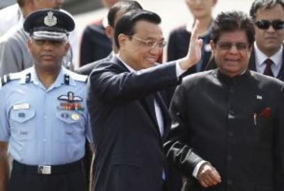 PM, Li Keqiang hold talks on crucial issues