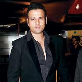 Rohit Roy To Turn Director For A Well-known Filmmaker