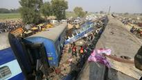Cops create green corridor to rush 300 injured to hospitals in Kanpur train tra...