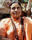 Pragya Thakur offers prayers at Mahakal temple, takes holy dip in Kshipra