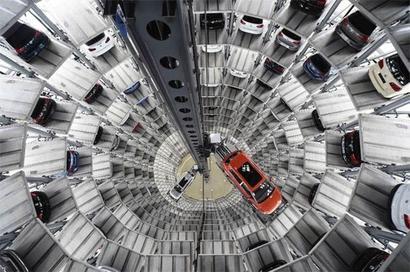 New Volkswagen CEO warns staff of 'massive cutbacks'