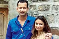 Rahul Mahajan visits Aurangabad with wife Dimpy