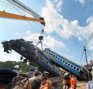 Locals turn heroes in Khatauli after train tragedy