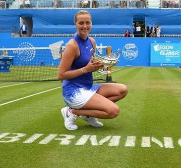 Kvitova sends Wimbledon warning with Birmingham title