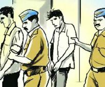 6 held for looting NBFC manager
