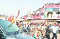 PM prays and charms Puri