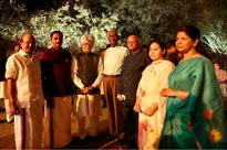 Leaders from 19 parties at Sonia's dinner, discuss ways to take on Modi regime