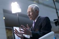 Fischer Defends Reinhart, Rogoff Against Attacks