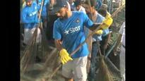 Pakistan's Virat love-affair continues: Fans slam Australian journalist for calling Kohli a 'sweeper'