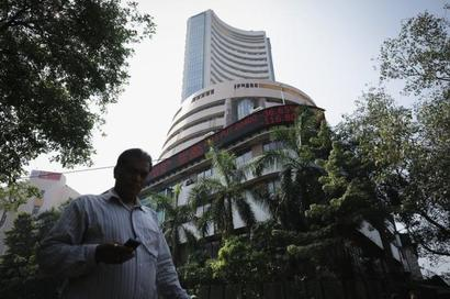 Sensex recovers 117 points on gains in telecom, oil stocks