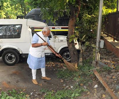 Dream of a Swachh Bharat will be realised by 125 crore Indians: PM