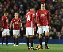 Premier League: Manchester United aim to kick start revival at struggling Everton