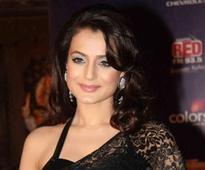 Ameesha Patel celebrates 15 yrs of `Gadar`