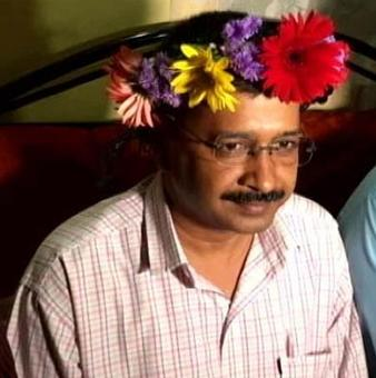 Kejriwal holds EVMs responsible for loss in Goa, Punjab