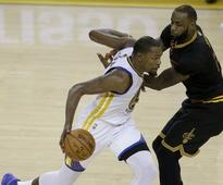 Live NBA Finals, Game 3, Golden State Warriors vs Cleveland Cavaliers: Stephen Curry and Co lead 46-43 in 2nd quarter