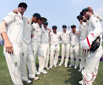 Australian cricket team's bus hit by a rock in Bangladesh
