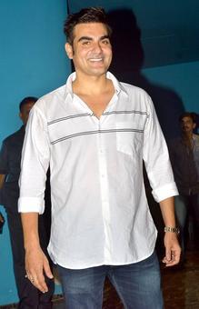 PIX: Arbaaz turns 50, parties with Malaika, Salman