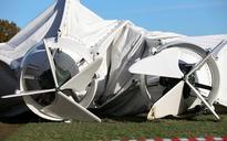 Airlander 10, world's largest aircraft, crashes in Bedfordshire