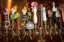 Craft brewers raise glass to U.S. farmers, growing record hops crop
