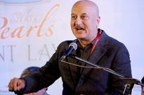 After Barkha Dutt slammed Arnab Goswami, Times Now Editor-in-Chief gets support from Anupam Kher