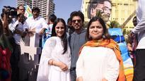 Shah Rukh Khan and Poonam Mahajan launch Rouble Nagi's 'Bandra Sculpture'