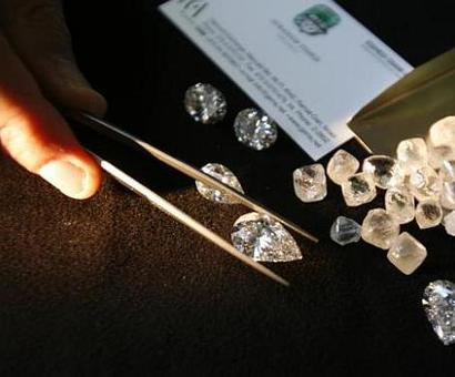 Why family matters so much in India's diamond trade