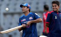 IPL 2013 LIVE: Mumbai Indians elect to bat with a changed side