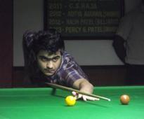 Vishal Vaya stuns favourites to enter quarters