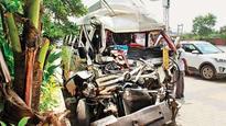 19 school kids hurt in van, truck collision, truck driver arrested